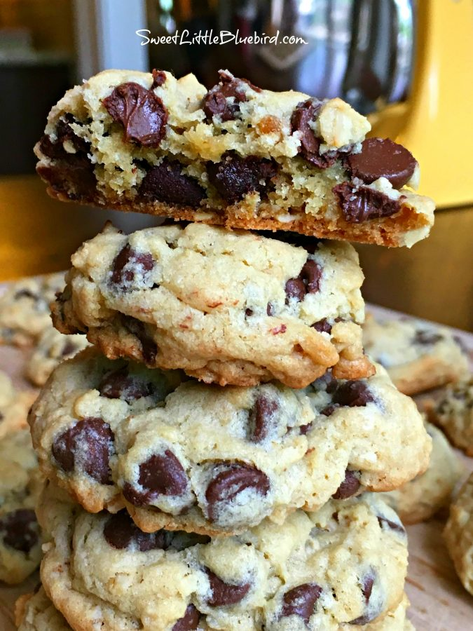 Best Chocolate Chip Oatmeal Cookies Recipe