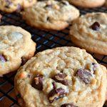 Easy Bisquick Chocolate Chip Cookies (6 Ingredients)