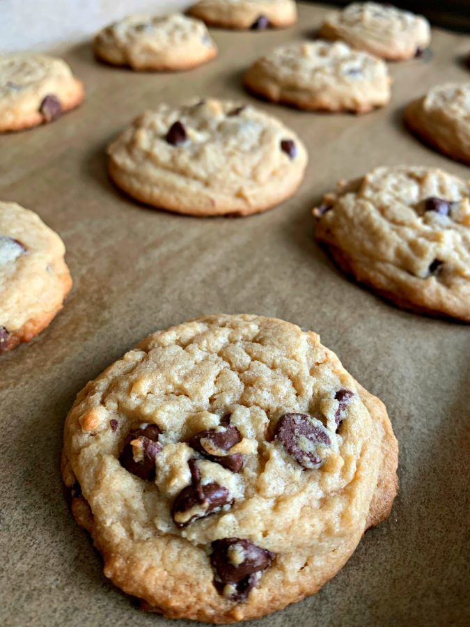 EASY BISQUICK CHOCOLATE CHIP COOKIES - Sweet Little Bluebird