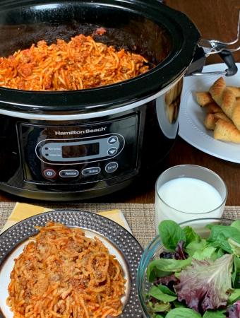 Farmhouse Crock Pot Spaghetti - Weekend Potluck 370